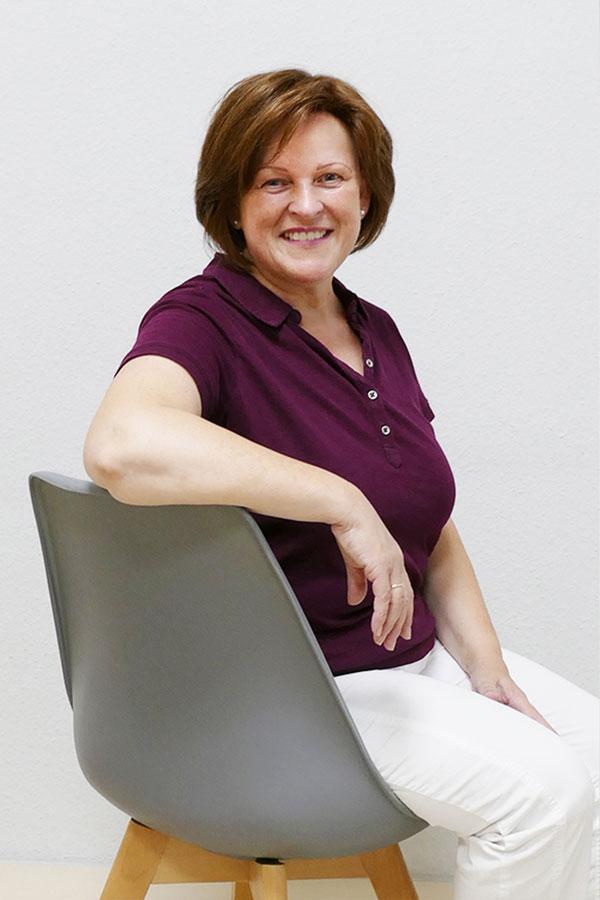 <b> Christine Hübner</b>